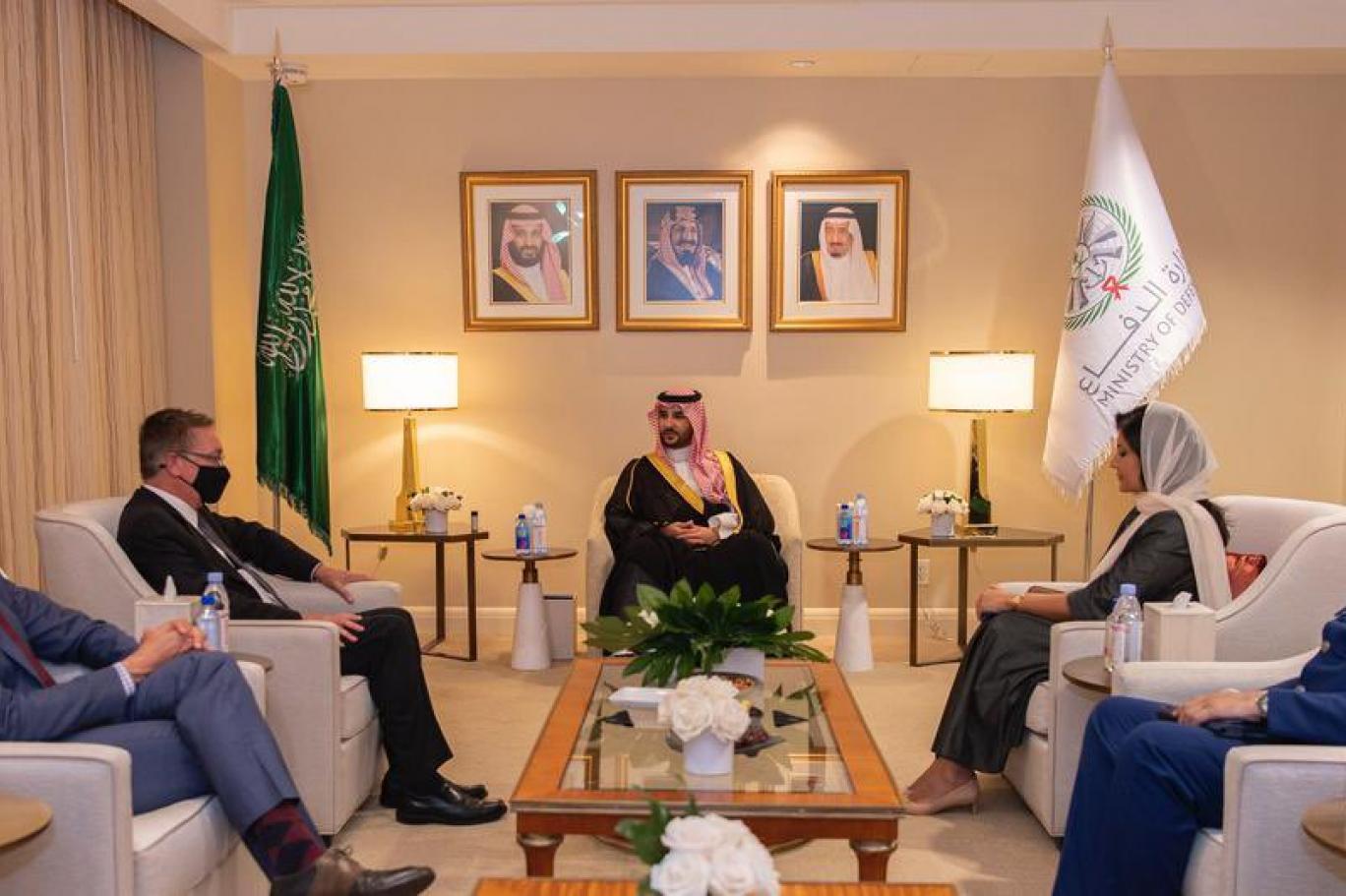 391661-114182233 جزء من لقاءات نائب وزير الدفاع السعودي في واشنطن (واس).jpg