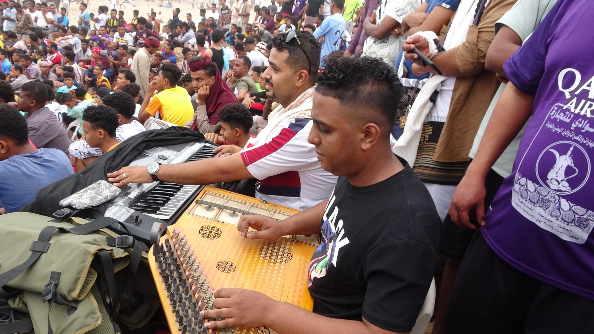 الطرب الاصيل يشارك في مهرجان البلدة.JPG