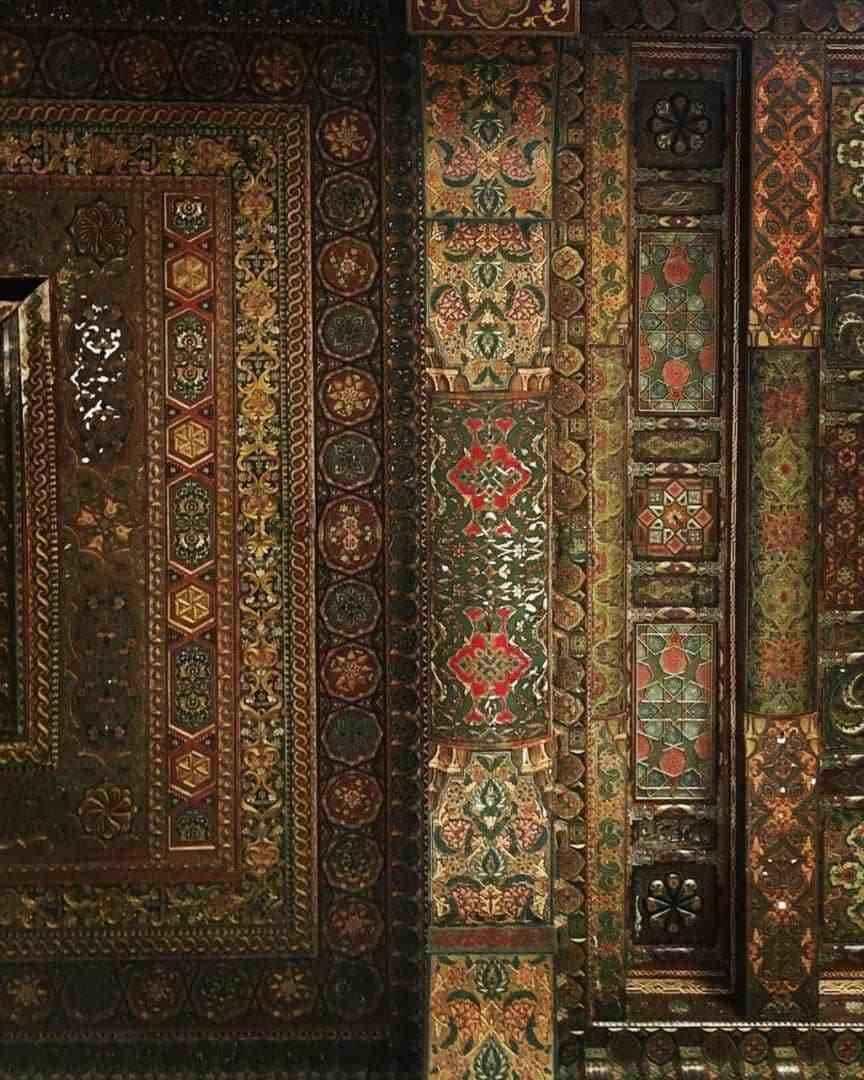 تفاصيل سقوف قاعة العرش في قلعة حلب (اندبندنت عربية)