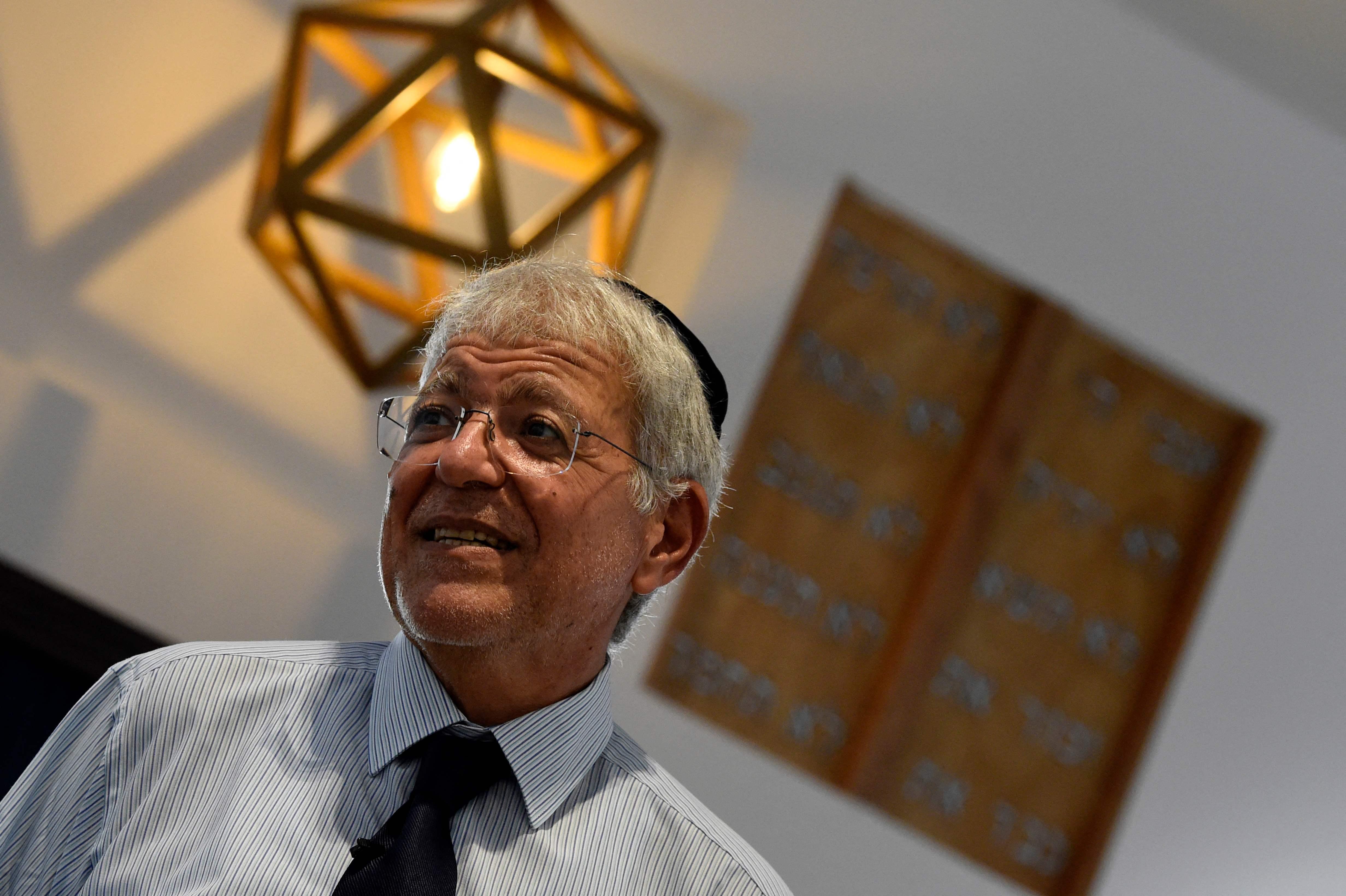 أحد الزوار اليهود في المناسبة التي تقام لأول مرة (أ ف ب)