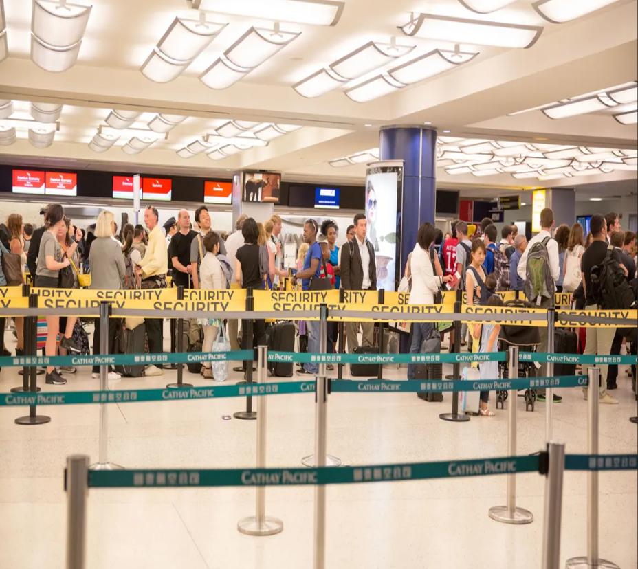 ربما نسي كثيرون أن كثيراً من اجراءات الأمن السارية في مطارات العالم لم تكن موجودة قبل 11/9